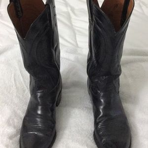 Lucchese cowboys boots